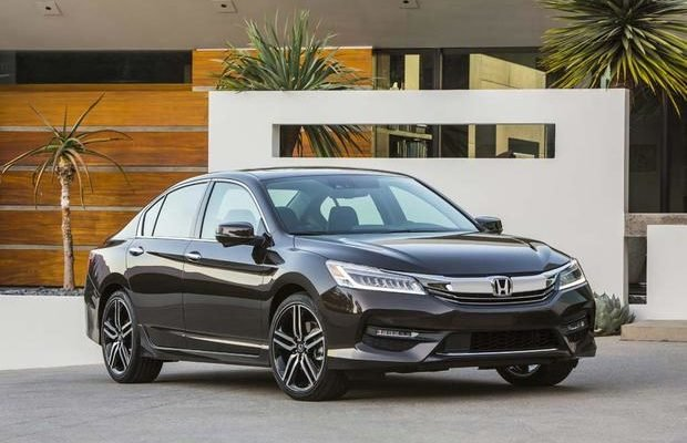 2017-Honda-Accord-Hybrid-620x400