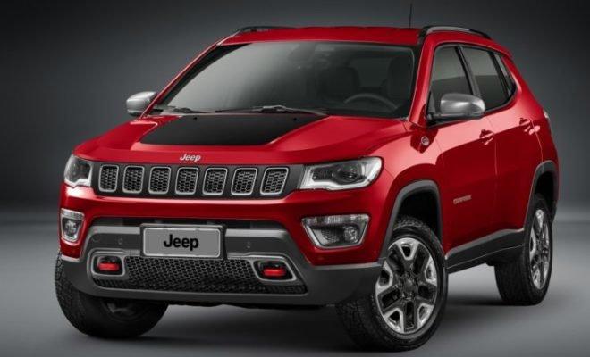 2017-Jeep-Compass-Trailhawk-660x400