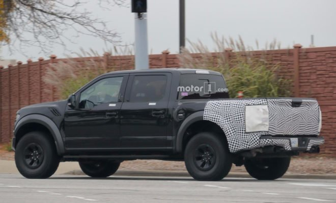 2018-ford-f-150-raptor-spy-shots-660x400