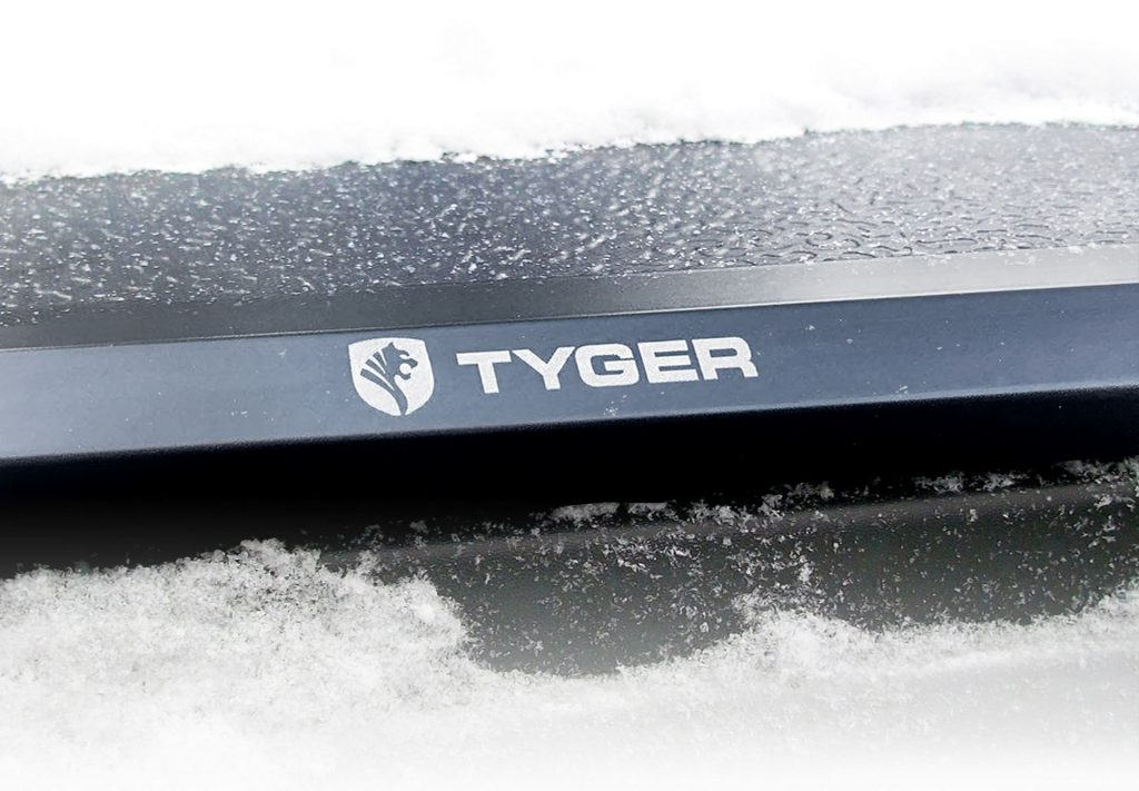 Pick Up Truck Bed Covers – Tyger Auto T5 In Snow