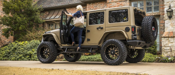 JEEP WRANGLER RUNNING BOARDS TO HELP PASSENGERS ENTER OR EXIT YOUR SPORTS UTILITY VEHICLE (SUV)
